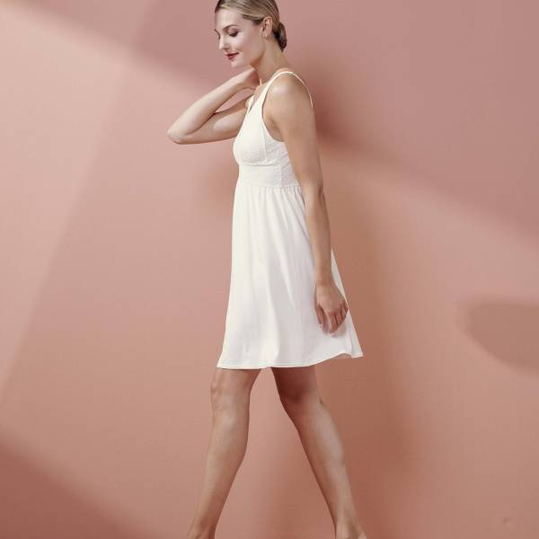 Essenza Nachthemd kort Essenza sarah uni nightdress sleeveless champagne