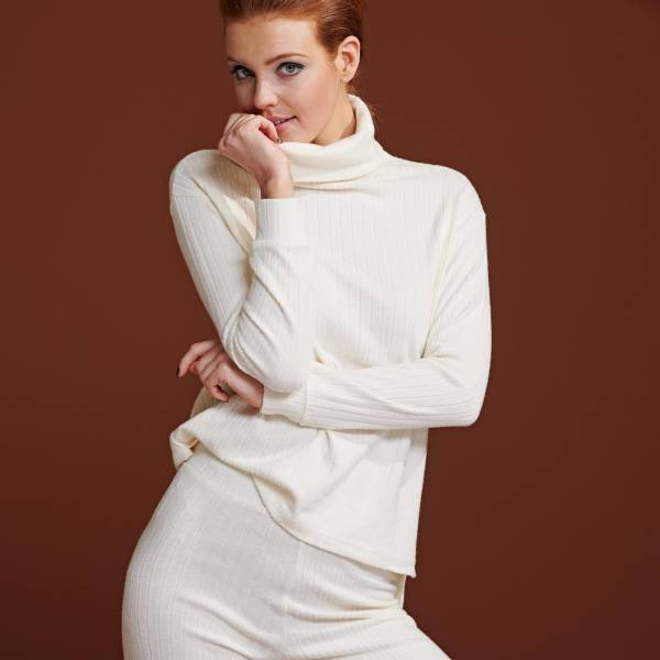 Essenza Dames nachtmode overig Essenza filippa uni sweater champagne
